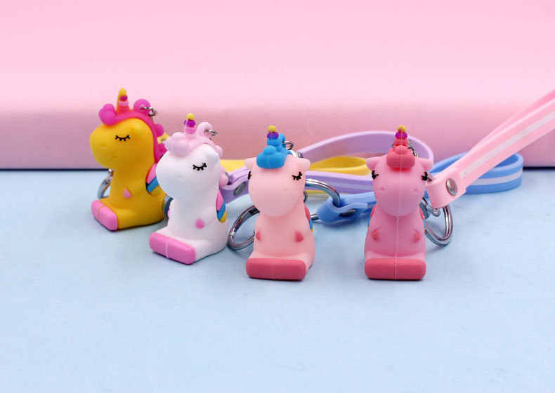 แฟนซีแฟนตาซีสายรุ้ง Unicorn พวงกุญแจสำหรับผู้ชายผู้หญิงเครื่องประดับกระเป๋าโทรศัพท์ Key Chain พวงกุญแจ PVC ตกแต่งกระเป๋า
