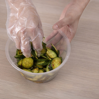 100 szt PE jednorazowe rękawice do kuchni na grilla wielofunkcyjne przezroczyste rękawice sanitarne plastikowe rękawice do zmywania naczyń tanie i dobre opinie