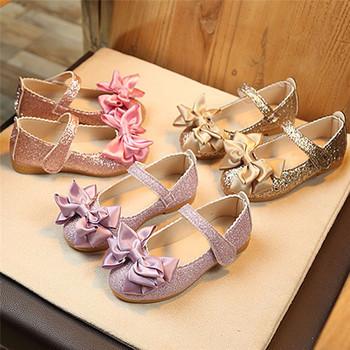 Nowe mody dla dzieci dziewczyny letnie klapki Bowknot skórzane księżniczka nubukowe buty na wysokim obcasie księżniczka sandały Party pojedyncze buty tanie i dobre opinie RUBBER Miękka skóra Płaskie Obcasy Hook loop Pasuje prawda na wymiar weź swój normalny rozmiar Bowtie Ankle wrap