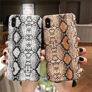 Image 1 - Elegante retro cassa del telefono creativo per iphone X XR XS MAX per il iphone 6 6S 7 8 PIÙ anti Autunno di personalità in pelle di pitone caso