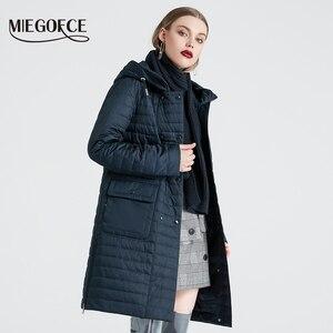 Image 1 - MIEGOFCE 2020 nowa kolekcja damska kurtka wiosenna stylowy płaszcz z kapturem i naszywki podwójna ochrona przed wiatrem