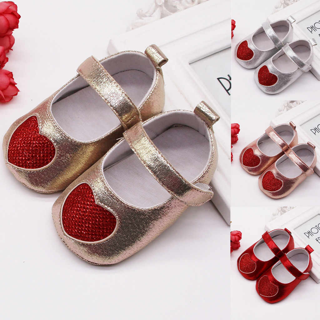 New Born Baby Girl Shoes 1 Year Infant Newborn Toddler Shoes Soft Sequins Heart Print Baby Girl Baby Booties 2019 First Walkers
