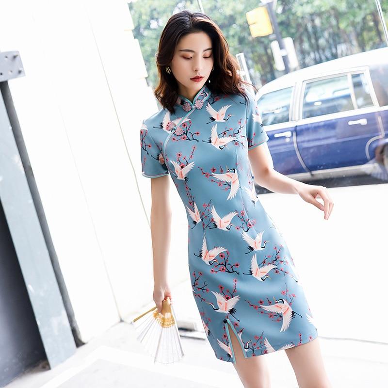 2020 Cheongsam Dress Young Girl National Customs Dress Improvement Edition Short Fund Sexy Crane Pattern