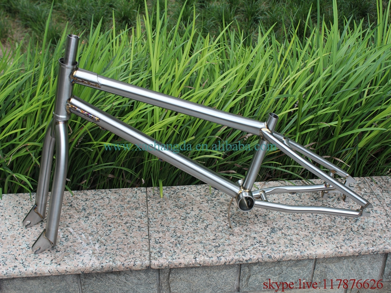titanium bmx bicycle frame with integrated head tube and truss dropouts BSA thread BB shell