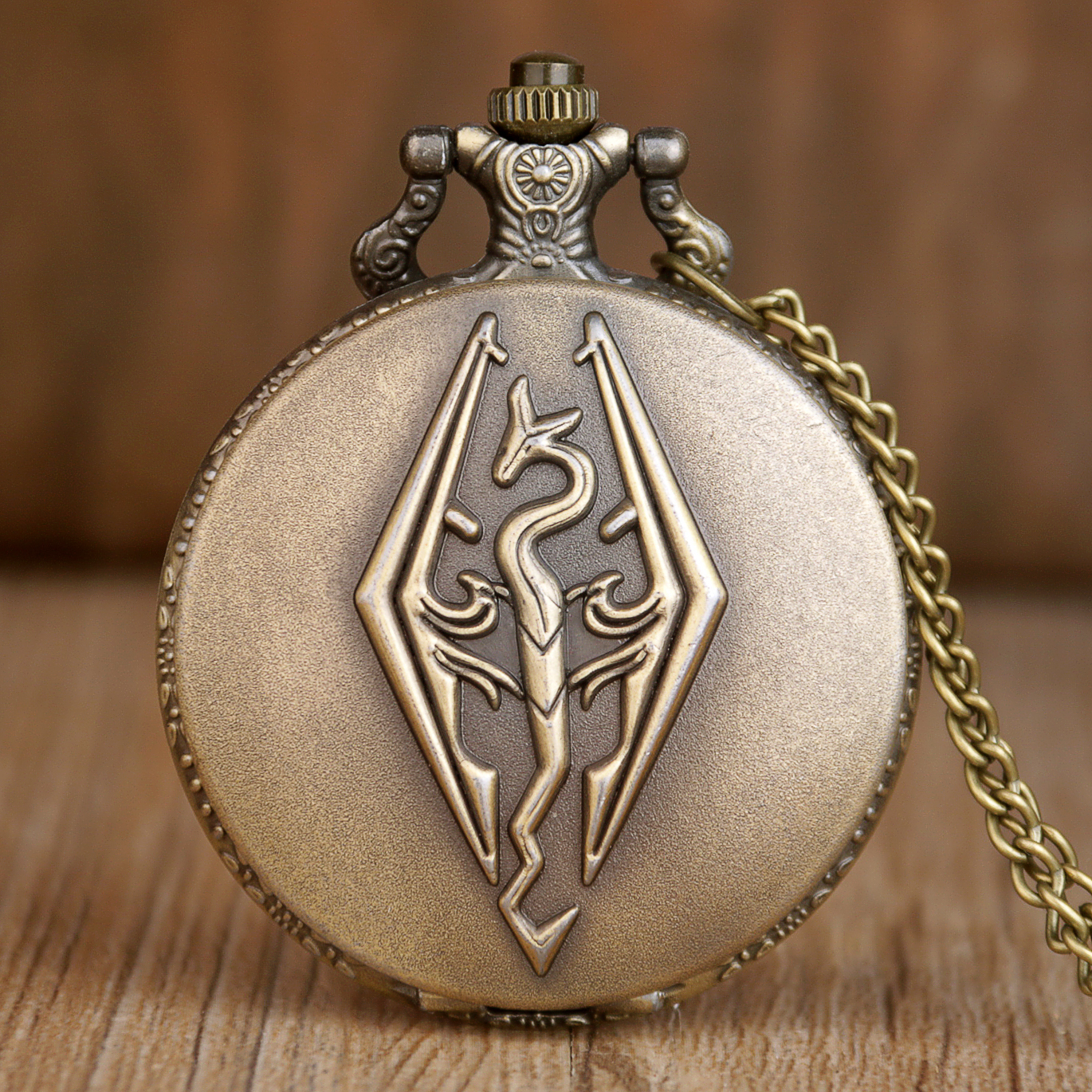 Vintage Quartz Pocket Watch The Elder Scrolls Skyrim Color Dial Analog Pendant Necklace Mens Womens Watch Gifts Variety Colors