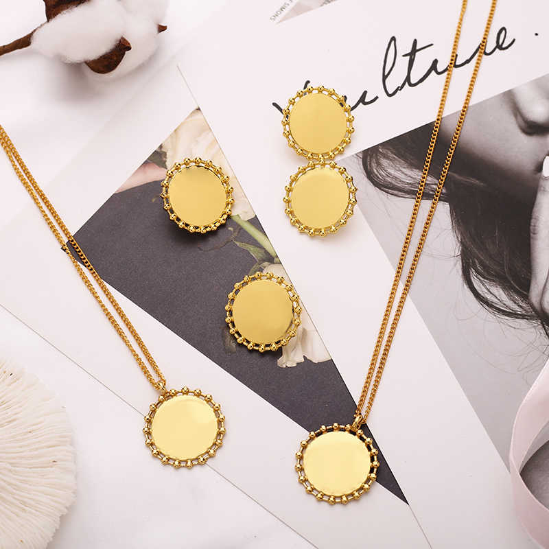 2020 New Minimal Wheel Shaped Circle Coin Chain Necklaces For Ladies Best Friend Gold Chain Necklace Stud Earrings Jewelry Set