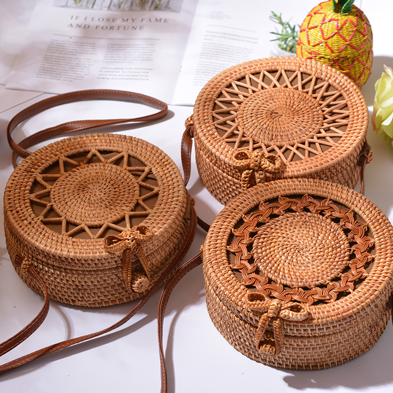 LOVEVOOK Women Rattan Bags Round Straw Bags Handmade Woven Beach Bag For Summer Travel Shoulder Crossbody Bag For Ladies 2020