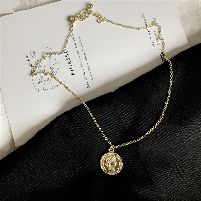 Vintage Round Golden Coin Portrait Metal Necklace Classic Specie Pendent Necklace for Women Men Girl Kid Neck Jewelry Gift Trend