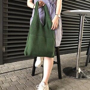 Image 4 - 2020 Phụ Nữ Mới Đan Túi Rỗng Ra Đồng Màu Lớn Dung Tích Túi Đeo Vai Thời Trang Len Túi Tote Túi Xách