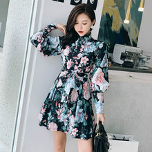 2019 Japanese style female holiday stand collar printed lantern sleeves single-breasted tie waist dress цена 2017