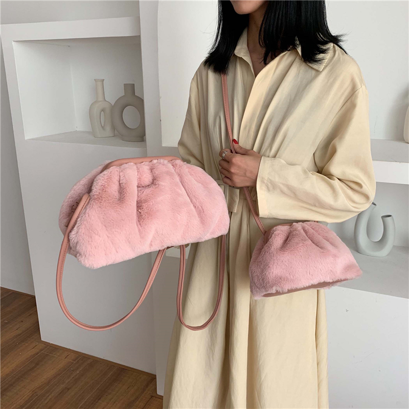 Autumn And Winter Fake Fur Fashion Handbag Soft And Comfortable Messenger Bag Size Ladies Five Colors To Choose Buckle Design Brand High Quality Shoulder Bag Bolso Mujer Sacoche Femme Louie Vuiton Handbag Shoulder Bag