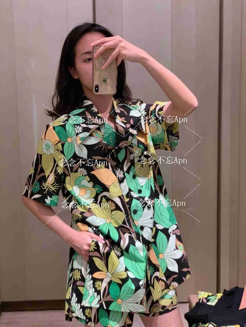 2020 Women Runway Floral Print Suits Spring Summer Lapel Neck Double Breasted Shirt + Waist Elastic Mini Loose Shorts Green 2pcs