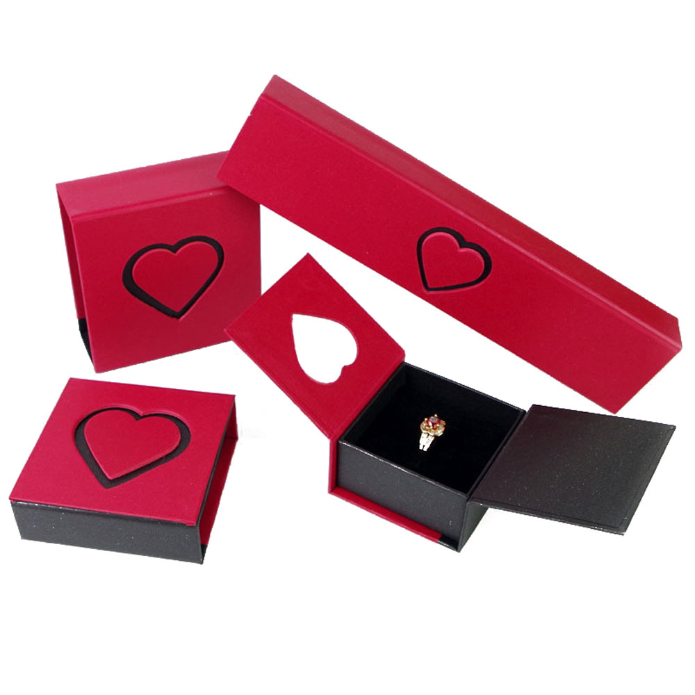Red Color Hollow Heart Ring/Bracelet/Necklace/Pendant/Bangle Case Paper Box Romantic For Wedding Gift Decoration Packaging Box