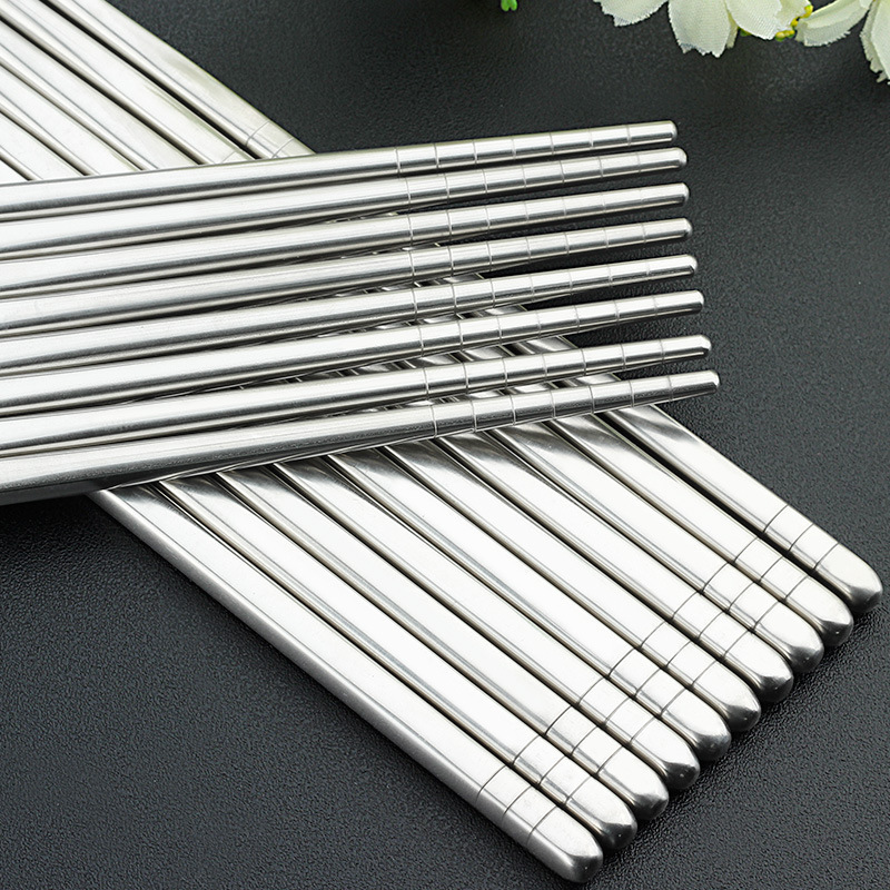 1Pair korean Chopsticks Food Sticks for sushi Non-slip Stainless Steel Chop Sticks Set Reusable chopsticks set baguette chinoise