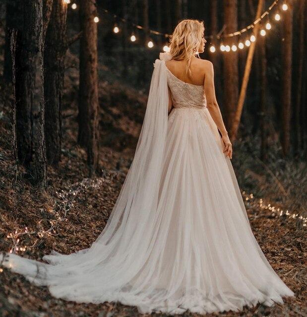 2021 One Shoulder Pleated Beading Applique Lace Wedding Dresses Sweep Train Tulle Bride Gowns Vestido De Novia 2