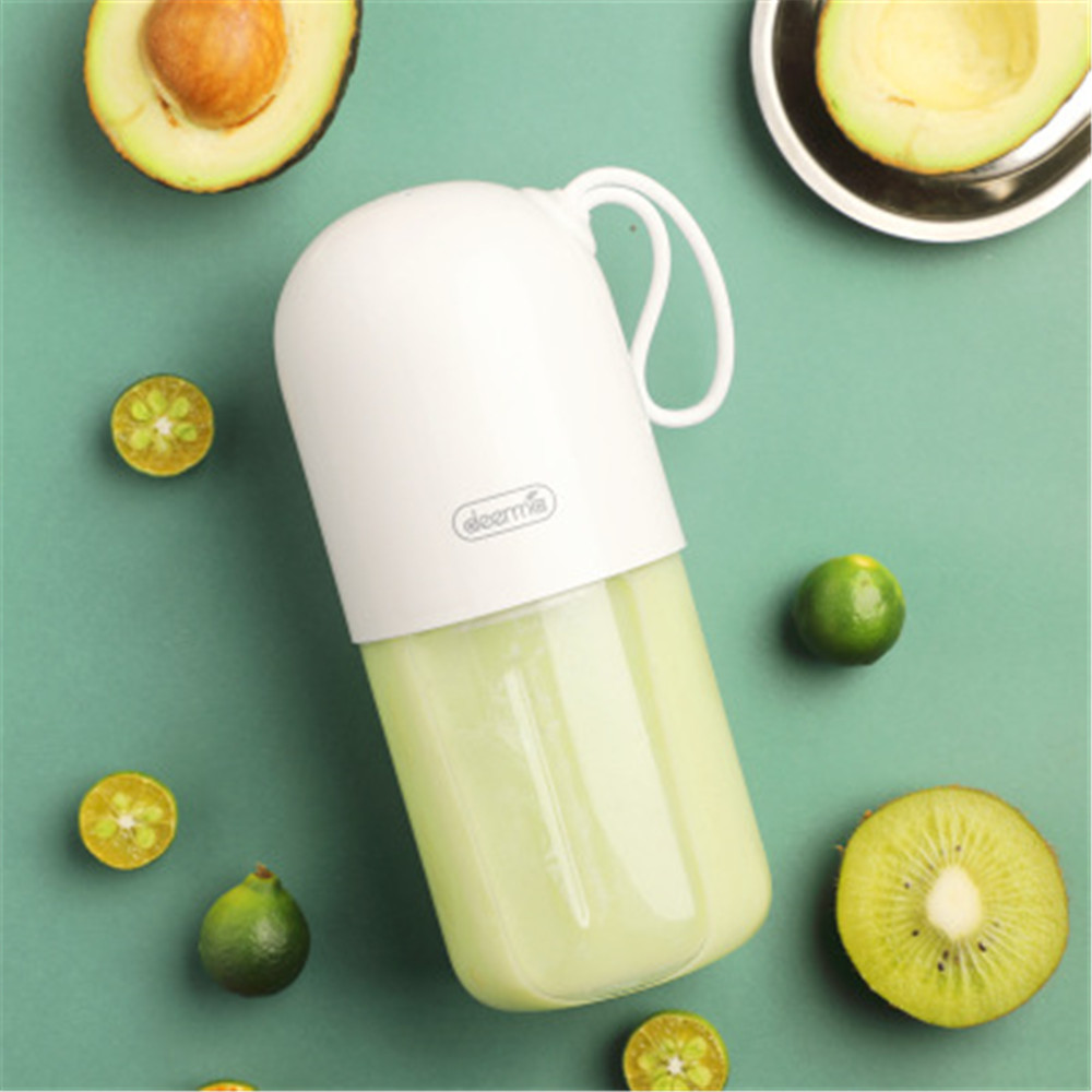 Portable Mini Fruit Juicer Electric Mixer Powerful Electric Juice Cup in Squeezers Reamers from Home Garden