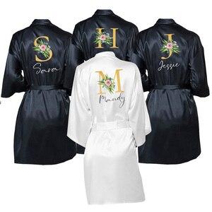 Image 1 - Abito da sposa nomi personalizzati sposa e damigella donore raso abiti personalizzati per regali madre della sposa/sposo squadra indumenti da notte