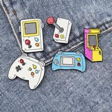 Brooches Doll-Machine Button-Pin-Gift Lapel Friends Cartoon Cute Enamel for Kids Twist-Rod