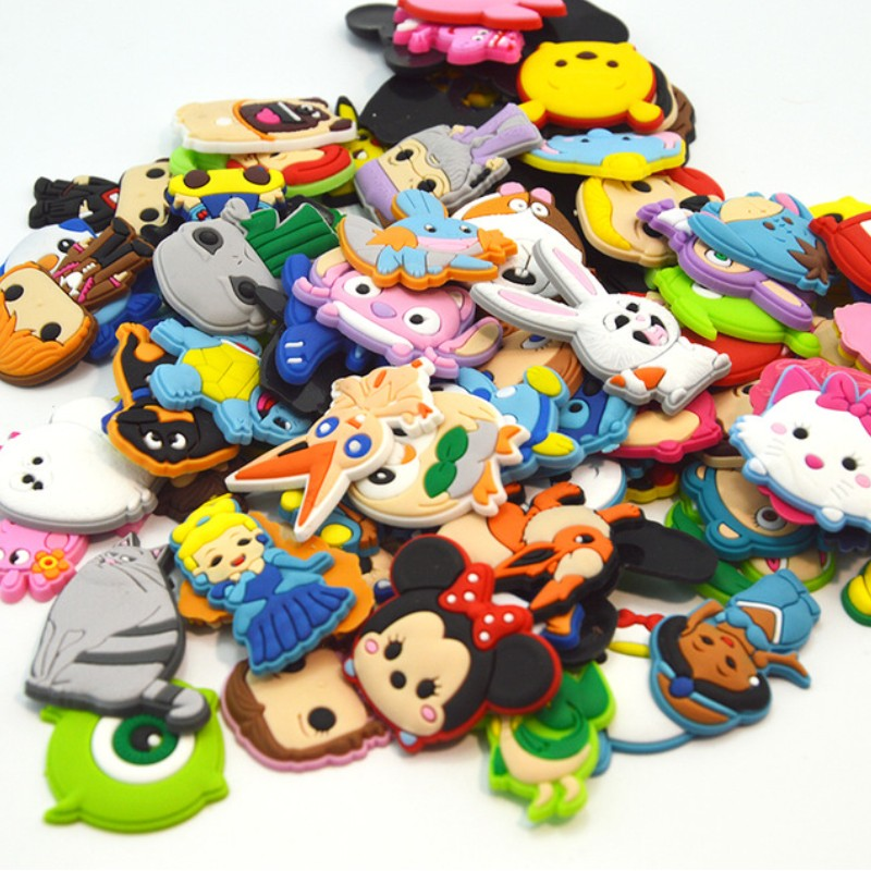 50pcs/lot Mixed Random Hot Cartoon Shoe Charms For Girls Or Boys Buckles Fit Shoes Bracelets Croc Decor JIBZ Kids Gift