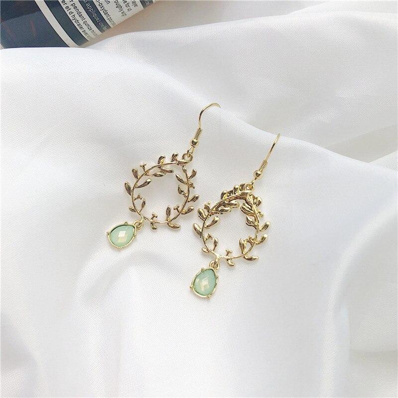 Fashion Popular Girl  Earrings Weaving Grain Irregular Small Leaf Wreath Earrings