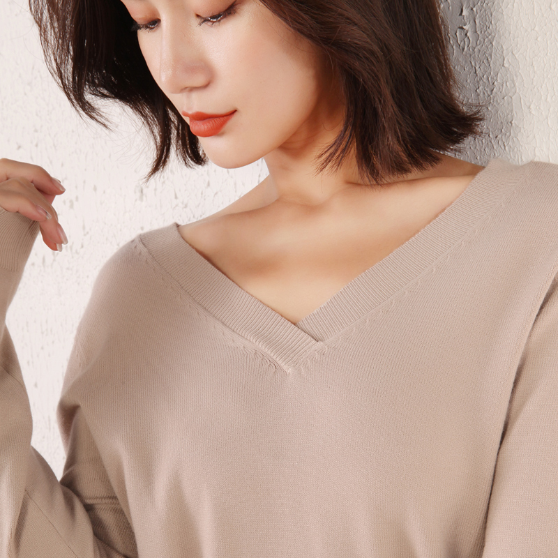 2019 Winter New Women's Sweater Bottoming Shirt V-neck Korean Version Of The Self-cultivation Solid Color Wild Cashmere Sweater