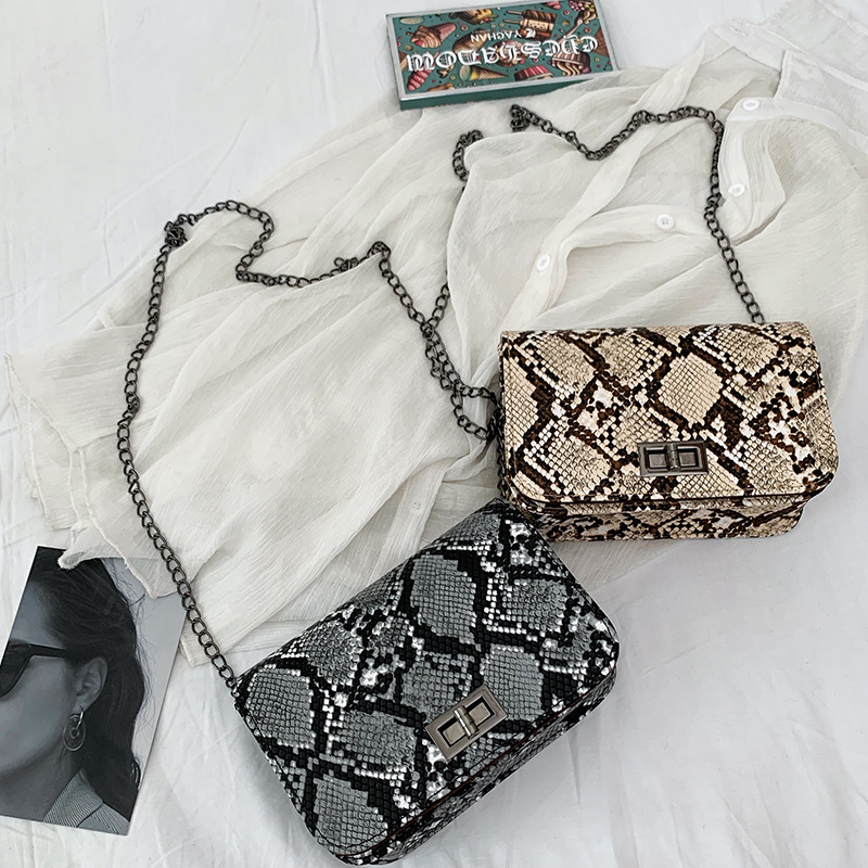 Small Snake Print Flap Shoulder Bag Female PU Leather Chain Crossbody Bags For Women 2019 Luxury Handbags Women Bags Designer