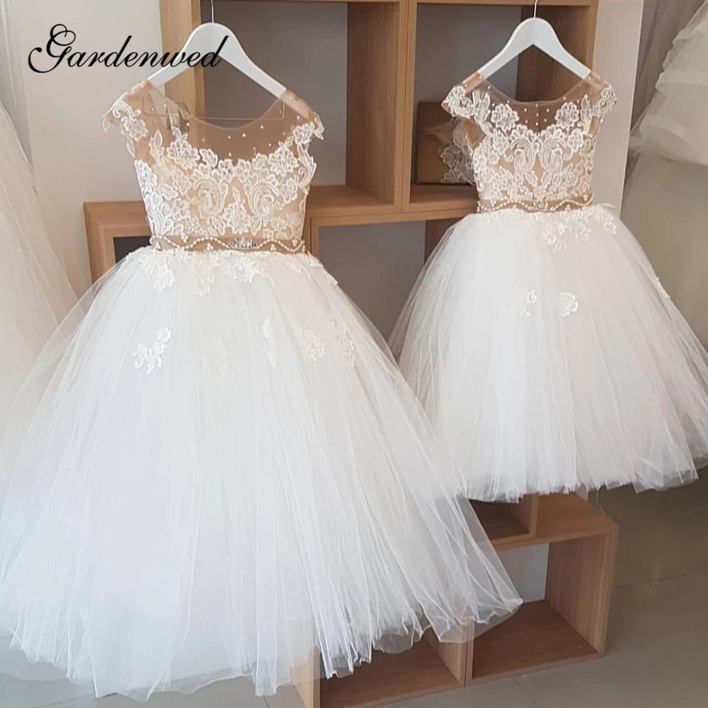 Puffy Ball Gown Flower Girl Dresses 2020 Nude Tulle Scoop Lace Communion Dresses Crystal Belt High-end Custom Made