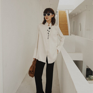 Image 5 - Cheerart designer topos blusa de cetim manga longa botão up gola camisa feminina moda senhoras blusa outono 2019