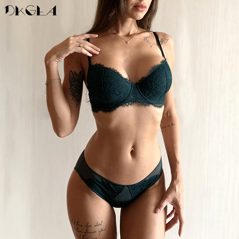 New Fashion Thin Cotton Underwear Set Women Embroidery Brassiere Sexy Bra Panties Set Plus Size D E Cup Lace Lingerie Set Green 1