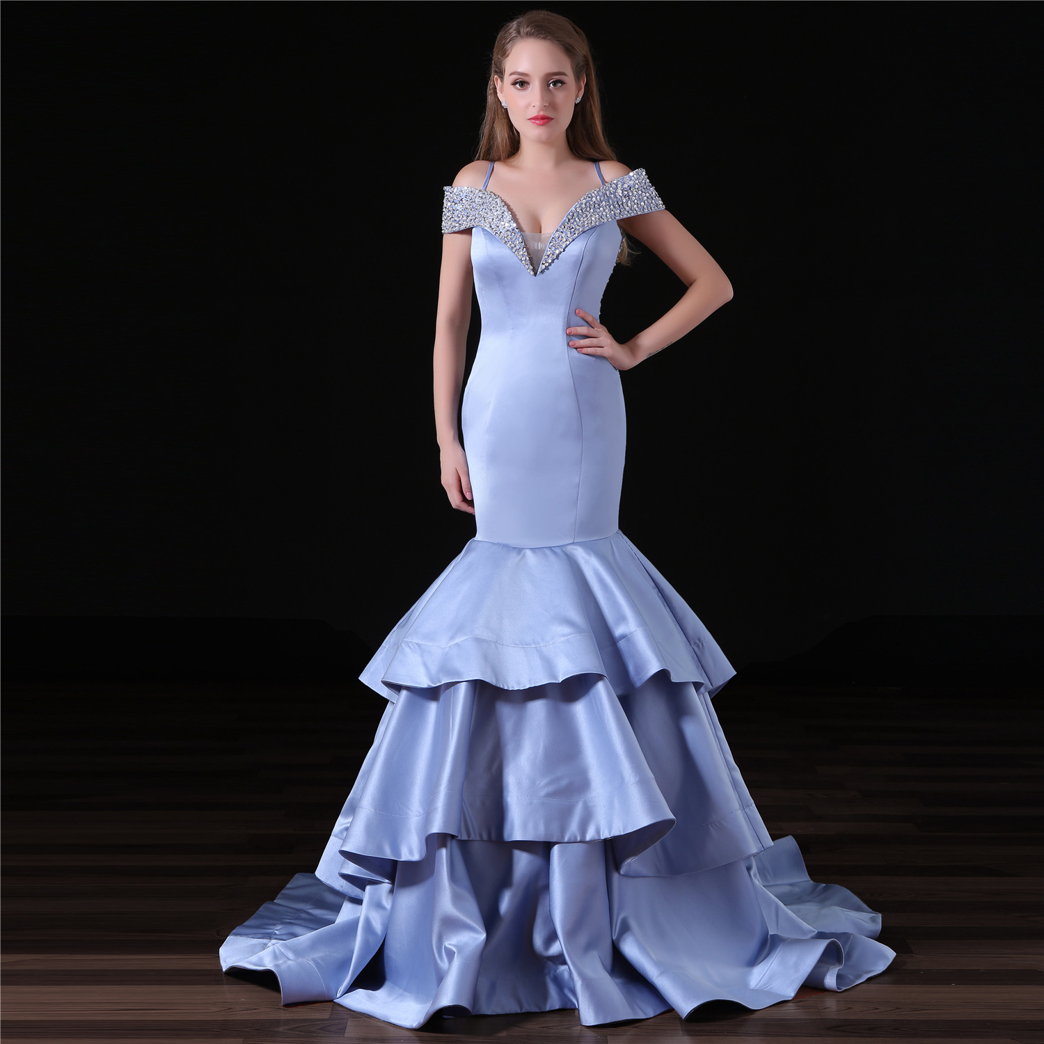 Sexy Satin Evening Dresses Long Beaded Formal Dress Women Elegant Gala Gown Bridal Party Dress V-neck Mermaid Evening Dress 2019