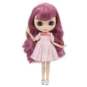 Image 4 - Muñeca Blyth de fábrica, cuerpo articulado con cara brillante y piel blanca, A & B 1/6 conjunto de mano, muñeca de moda, maquillaje diy, precio especial