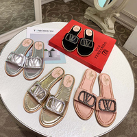 Hot release of French V VL summer new slippers women's shoes soft leather top luxury standard manufacturing fine packaging