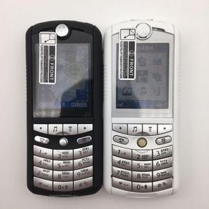 Image 2 - هاتف المحمول موتورولا E1 GSM أصلي مجدد بجودة جيدة 100% مزود براديو إف إم يعمل بالبلوتوث ضمان لمدة سنة + شحن مجاني