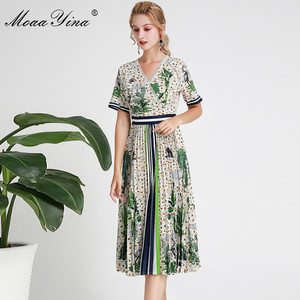 Image 4 - MoaaYina Fashion Designer Runway dress Spring Summer Women Dress Short sleeve V neck Coconut tree Print Vacation Dresses