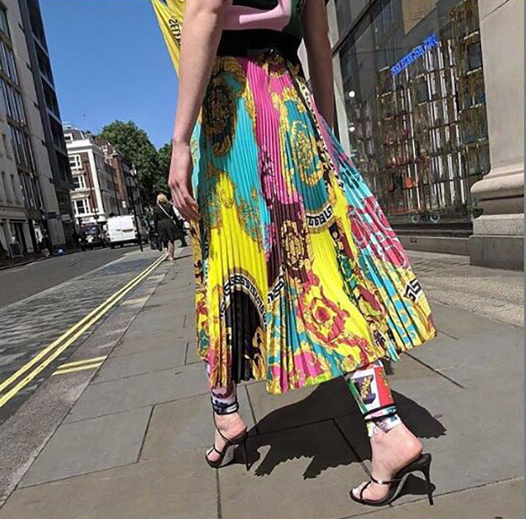 2019 New Style Baroque Vacation Style Camisole + Printed High-waisted Pleated Skirt Two-Piece Set