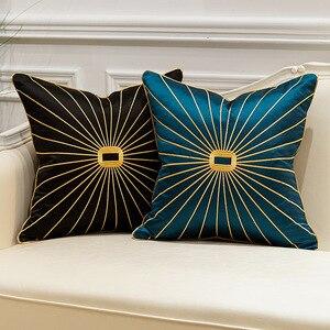 Image 3 - Роскошная наволочка из шенилла с золотистыми окантовками и кисточками, темно зеленая наволочка для дивана с принтом лошадей, наволочка для подушки