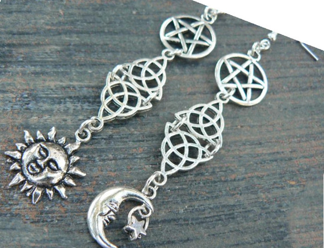 Pagan earrings Goddess Wiccan Celtic Sun and Moon pentacle Five Elements Witch Earrings Wicca 2019 fashion women gift Silver