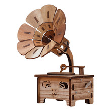 Music Box Gramophone Shape Carved Wood Hand Crank Music Box Children/friends Christmas Gift Birthday Party Supplies dragon ball music box hand crank musical box carved wood musical gifts play dragon ball z tapion theme