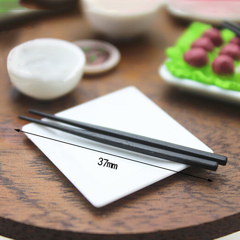 One Pair Mini Resin Long Chopsticks Simulation Kitchenware Model Toys Dollhouse Miniature Accessories For Doll House Decor