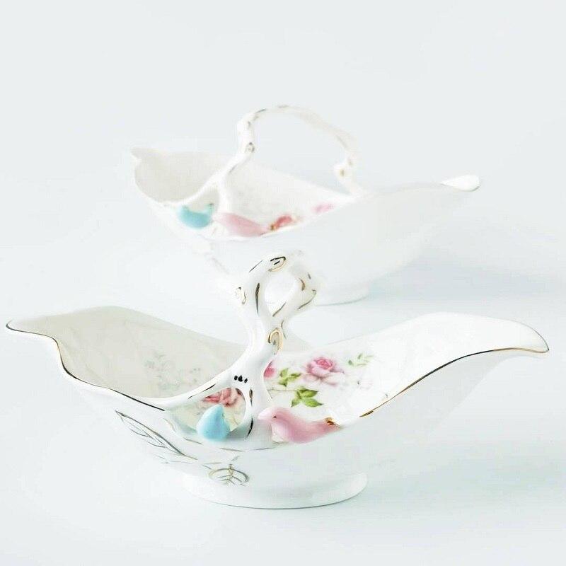 British three-dimensional bird, flower, ceramic basket, storage of blue home furnishing fruit basket