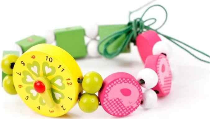 O envio gratuito de brinquedos dos desenhos animados decorações de madeira, frisado serrar brinquedos, colares/relógios, jóias das crianças que fazem utilidades brinquedo