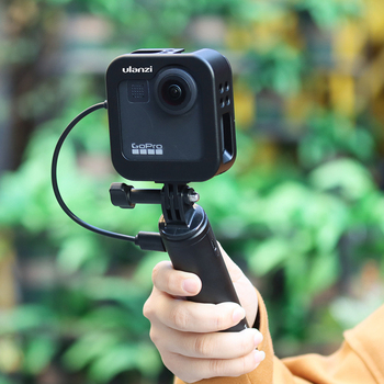 Ulanzi GM-3 Gopro Max Metal Cage Case Portable 1:1 Cold Shoe Vlog Case with Extend Microphone LED Light Stand Port