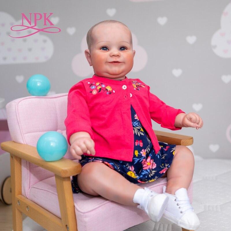 NPK 60 см Огромный Оригинальный Размеры Bebe Кукла младенец Реалистичная платье для маленьких девочек, для малышей Мэдди из мягкой ткани; Гибкая рука Рисунок волос 3D тон кожи кукла Куклы      АлиЭкспресс