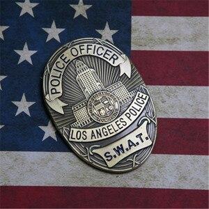 Image 4 - جديد 1 قطعة لا الشرطة SWAT ضابط شارات بطاقة ID بطاقات حامل 1:1 هدية تأثيري جمع هالوين شارة معدنية الدعامة هدية