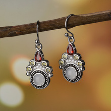 Boho Cat Paws Small Dangle Stone Earrings Women Red Green CZ Earring Ethnic Vintage Indian Jewelry Antique Silver Color DBE045