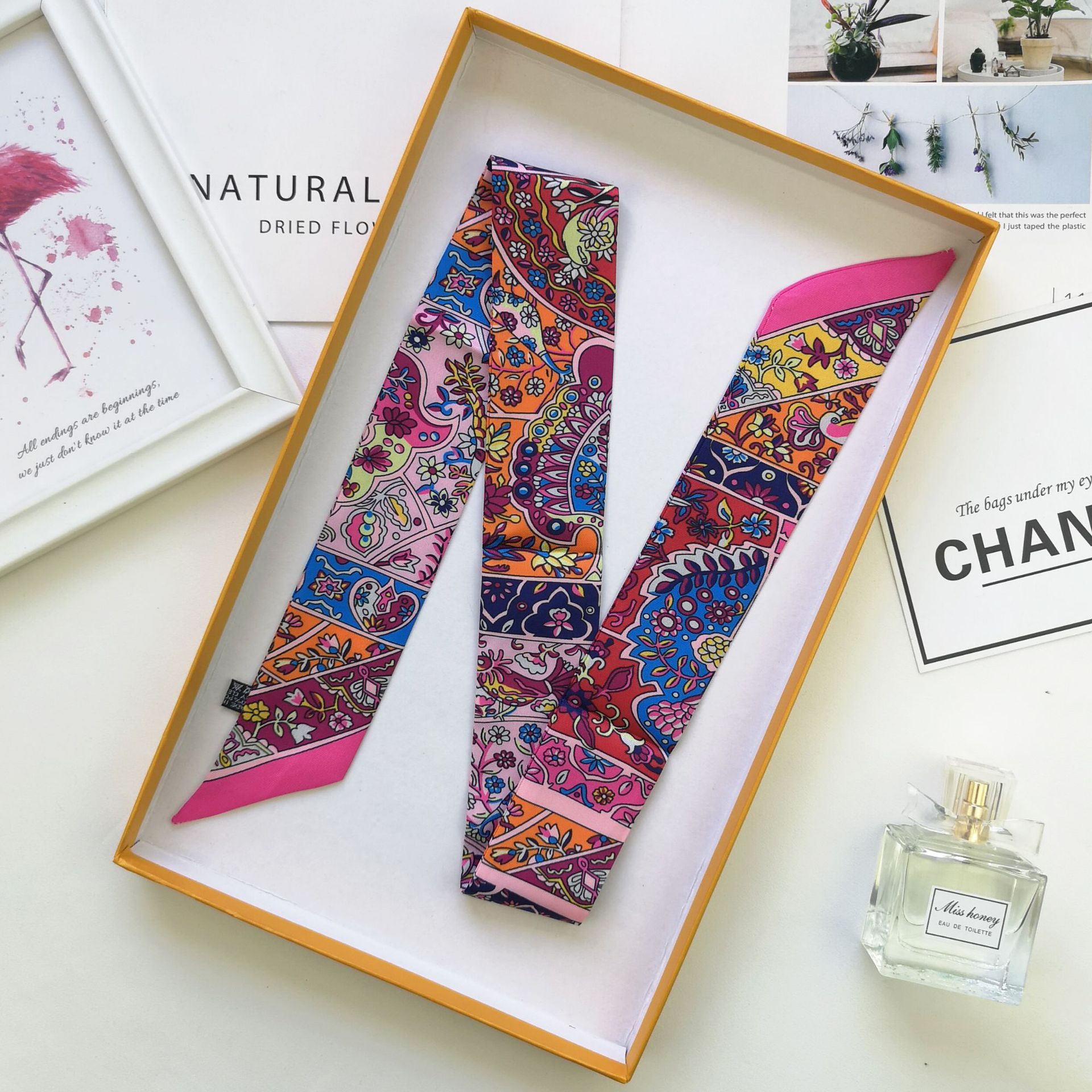Fashion Retro Bag Scarf Luxury Brand Women Small Silk Scarf Print  Art Head Scarf Handle Bag Ribbons Long Scarves A12
