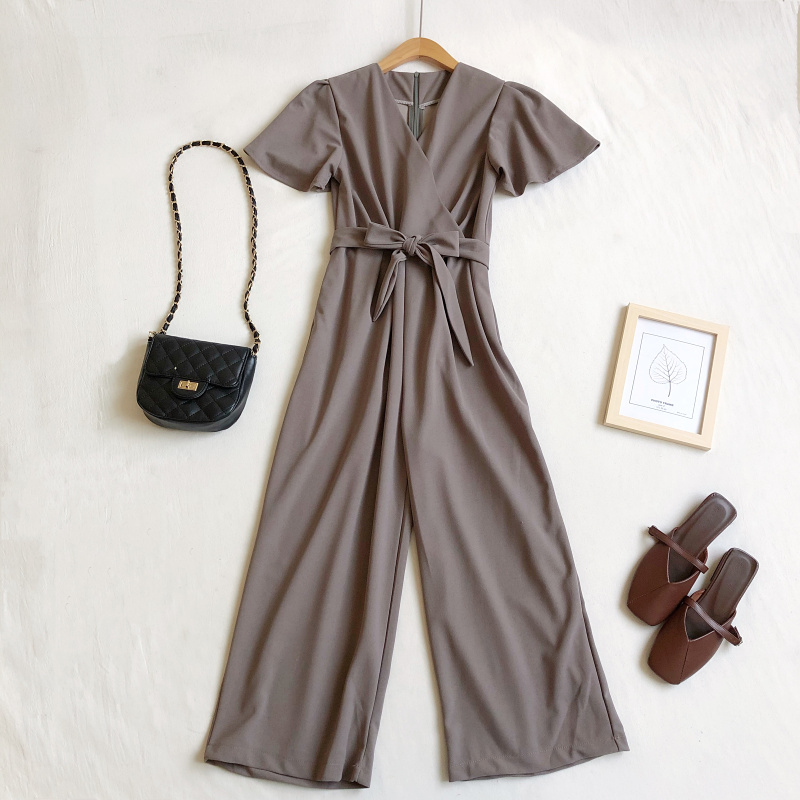 Image 2 - Женский комбинезон весна лето 2020 Корейский Новый Модный комбинезон с v образным вырезом на шнуровке с высокой талией с широкими штанинами черный комбинезонКомбинезоны   -
