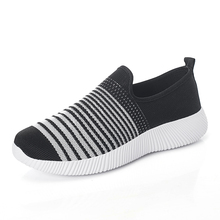 Women Mesh Breathable Sneakers Woman Spring Autumn New Soft Loafers Ladies Lightweight Walking Fashion Flats Slip On Shoes