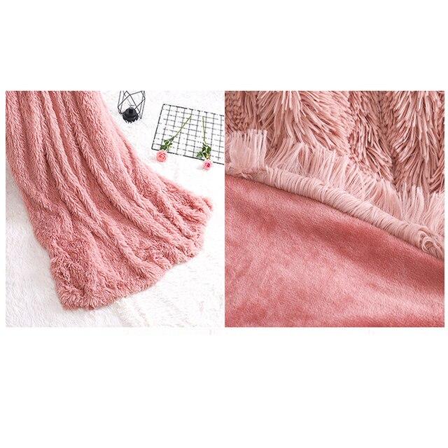 Plaid fourrure de couleur uni en polyester Plaids et Couvertures Cocooning.net