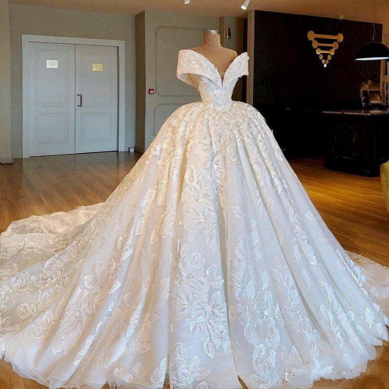 Gorgeous Ball Gown Wedding Dresses  Off The Shoulder  3D Appliques Lace Up Back Bridal Dress Long Train Robe De Mariee
